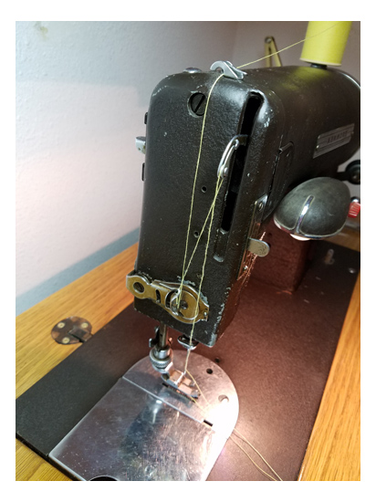Kenmre art-deco sewing machine